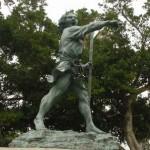 沖縄県の観光で外せない「銅像」
