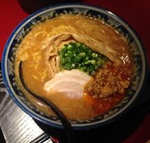 """""""松本駅で味噌ラーメン""""なら「佐蔵」を食べなきゃ後悔するかも"""