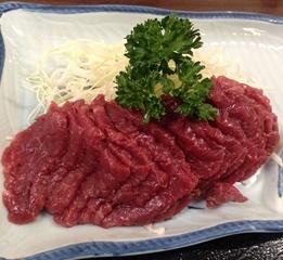 松本駅で気軽に馬刺しが食べたいなら「高橋定食」